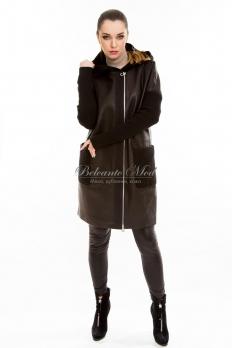 Кожаная куртка с текстильными рукавами