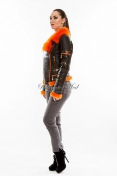 Короткая молодежная кожаная куртка